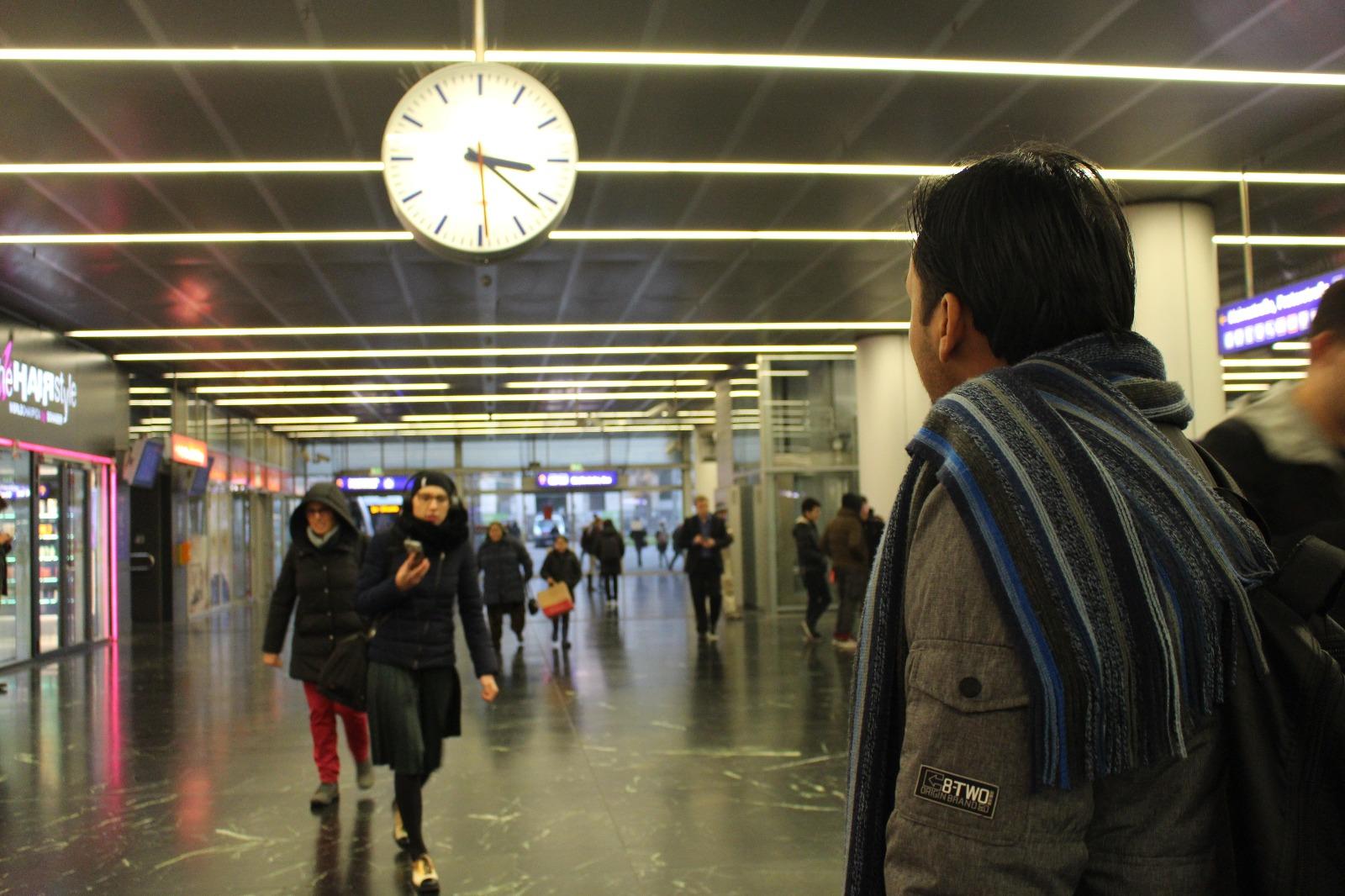 Warten, Uhr, Maher, Asylwerberkurs
