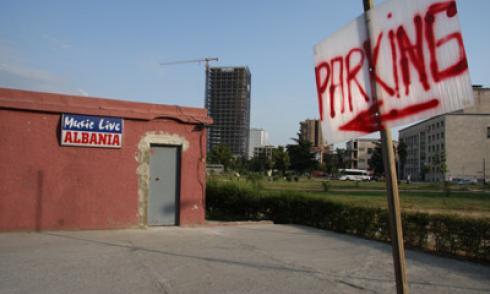 Albanien, Tirana, Party, Parking